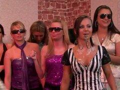 Chicas euro ir lucha en lodo