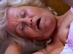 La abuela Effie peludo culo Fuckin '