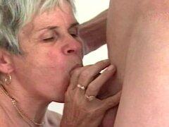 Peludas abuela Melinda Banged, sin afeitar Melinda de abuela follada por un chico 20yo en esta muestra de matureshares