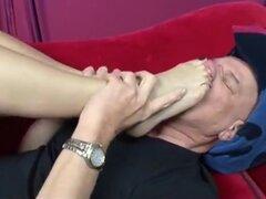 Bastante pies rociada con esperma de Telly, si eres un amante del porno de fetiche de pie, usted tiene probablemente visto rapada cabeza del perno prisionero Rod Fontana en una película de fetiche de pie antes. Este hombre, conocido por su trabajo más har