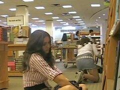 Vid franca de adolescentes en faldas falda toma con bonos