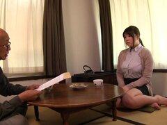Adorable gordita Chitose Saegusa agradable dos boners sobre sus rodillas - Chitose Saegusa