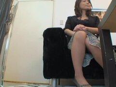 Película de cámara oculta con Lesbianas japonesas jugando sucio, Aika y Cho son dos japonesas lesbianas que les gusta tener apagado cuando nadie está mirando. En esta película de spy cam con escenas sucias las dos chicas ley muy traviesa y sus coños Haz m