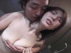 Mear; Peluda asiática guarra disfruta de su consolador