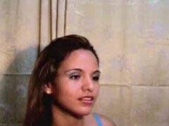 Teen Latina muy caliente desnuda en Webcam