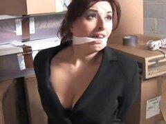 2 mujeres en Warhouse gratis porno de Bondage. 2 mujeres en Warhouse gratis porno Bondage