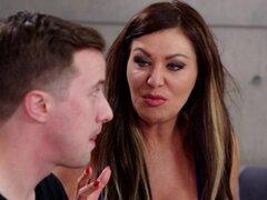Sasha Sean es una morena tetona necesidad de toque de un amante randy - Sasha Sean, Jesse Jones