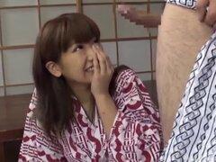 Mujer tímida japonesa está lista para una sesión de sexo formidable - japonesa AV modelo