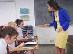 Real uniformados les probadas. Realidad uniformados les probado en diversión de 3way de aula en hd