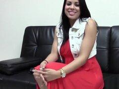 Latina caliente follando a su agente de Casting,