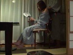 Tetona japonesa utiliza el vibrador. Japonesa AV modelo tetona utiliza vibrador