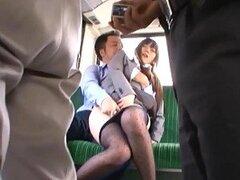 Cachonda Asiatica inocente y muy puta es masturbada en un medio de transporte publico