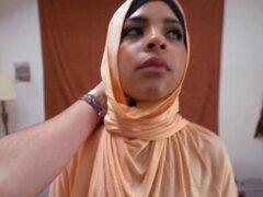 Amateur árabe recoger en la mitad de la noche. Amateur árabe recoger en la mitad de la noche Ella está dando buena cabeza Ir al sitio para escenas Full HD
