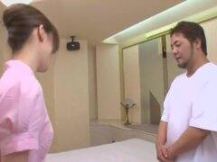 Puta japonesa Rumika Aoi, Sakura Ai en masaje fabuloso, película JAV de tetas pequeñas, la mejor