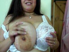 Sexy mamá grande con grandes booobs naturales