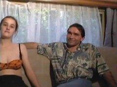 Francés pareja entrevistada antes de hacer una cinta de sexo caliente, pareja conseguir entrevistado antes de ser fundidos a mierda unos a otros sin parar en el sofá en esta película porno francesa.