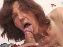 Madura abuela follando a su caliente yerno duro