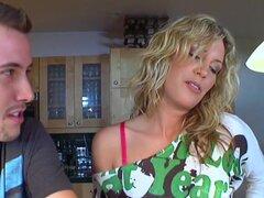 Kiara Diane Kiara Diane y Jessy cook, esta semana hemos recogidos Kiara Diane. Ella es 22 años de edad y ya haciendo olas grandes en la industria, aunque ella ha sólo sido hacerlo un año. Realmente ella es fumar caliente y ajuste como el infierno. Kiara s