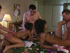 Alektra Blue y Misty Stone participan en el sexo grupal interracial más candente que hayas visto