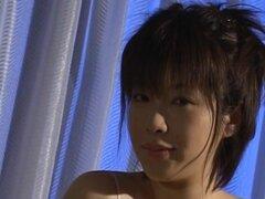 Kasumi Uehara tiene ropa interior de encaje corte sobre twat, Kasumi Uehara tiene ropa interior de encaje corte sobre twat