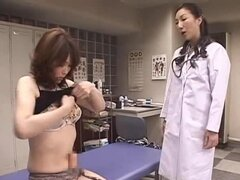 Futanari japonesas lesbianas correa en juego