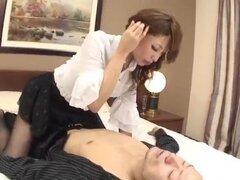 Increíble Aya Sakuraba es follada hasta la extenuación