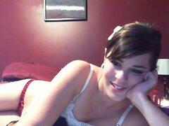 Latinas pelo corto agradable su agujero rosado con un juguete, amateur Latina utiliza su webcam para hacer todo lo que sus espectadores quieren de ella. Ella exprime y lame sus tetas, ella se está frotando su coño negrita, ella hace todo lo le mando el vi