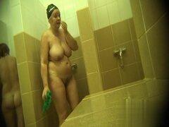 Cámaras ocultas en las duchas de la piscina pública 114,