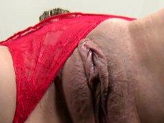 Delgado chicas consiguen sus coños y culos folladas profundo en el clip de sexo foursome