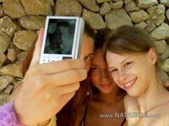 Tres chicas españolas digitación Arrebatamientos