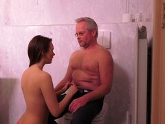 Emily Thorne seduce a un amante maduro para una gran cogida - Emily Thorne, Jeffrey