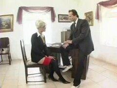 Secretaria en traje de negocios. Secretaria en traje