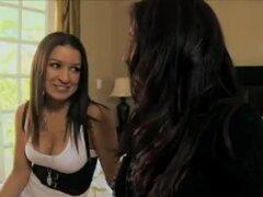 Ann Marie Rios hace charlar con su nueva novia para romper el