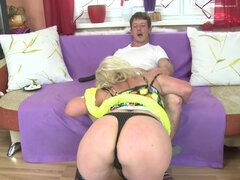 Slutty mature blonde getting the hardcore spooning on the bed - Sara V.