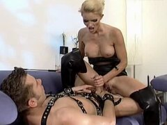 rubia ama y su esclavo, bueno follando - alemana - csm