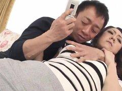 Peluda coño joven necesita digitación y consolador jugar