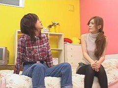 Puta japonesa caliente Yuna Hoshi, Rika Shiina, Mirai Andou en mejor masturbación, película JAV Facial