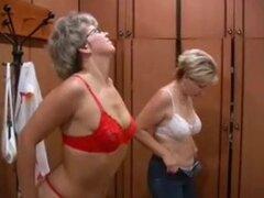 Madres rusas Irina - Valia en la sauna,