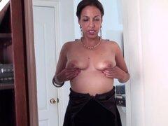 Mujer madura peluda masturbaciones apasionadamente su coño - Josephine K.