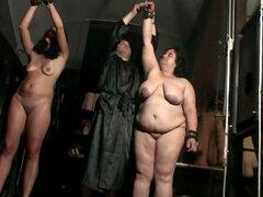 Dos chicas gordas y un fucker hardcore