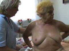 Lesbianas de señora abuelita senior OldNanny. Abuela vieja y gorda gordita disfrutando de la masturbación lesbiana