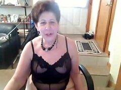 Vieja puta de culo de pezón saggie Amateur disfruta bailando desnuda en el tubo del cam