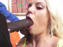KENZIE Taylor hace una mamada de garganta profunda chapucero, gorgoteo en la garganta - Kenzie Taylor