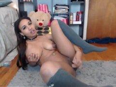 Busty Ebony ella folla en Webcam-