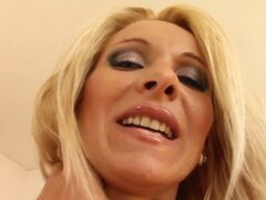 Vinnie milf guarra folla Milf cosa. Vinnie milf guarra folla en lo Milf