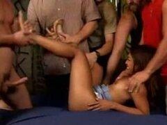 Lyla Lei recibe creampie después de creampie