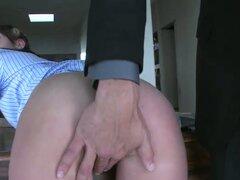 CEO es golpeando a esta sexy chica de la limpieza en la sala de conferencias - Kylie Moore