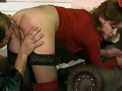 Secretaria caliente obtiene golpeó por el jefe en casa