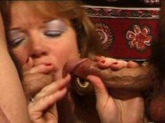 Esposa amateur madura anal follar fotos facial, una naughty puta madura amateur en acción! Trío anal con enormes cum carga en su cara! Increíble...