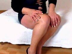 Cougar Danica facesitting amateur juegos de culo gordo